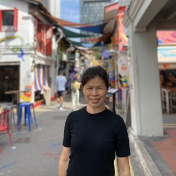 Babysitter in Singapore: Chwe Ngo
