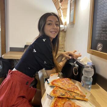 Babysitter in Pistoia: Samira