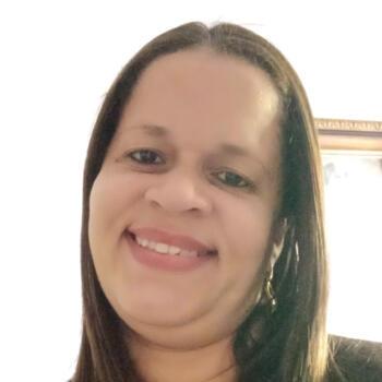 Babá em Aracaju: Thais