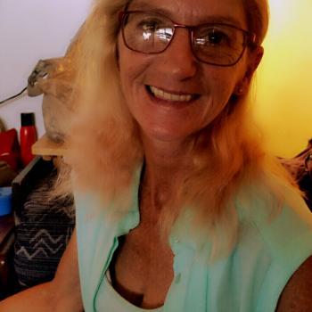 Babysitter Coffs Harbour: Debra