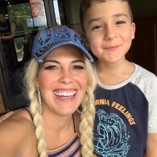 Babysitting job in Adelanto: Isabe