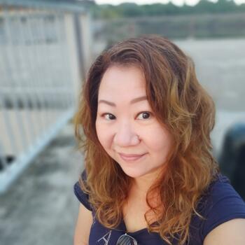 Babysitter Singapore: Doreen