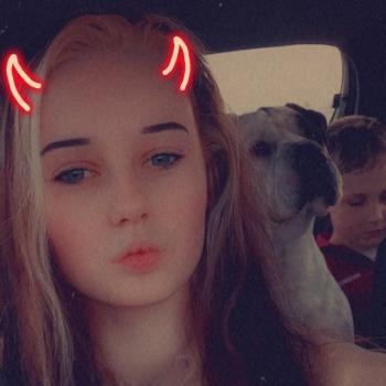 Babysitter in Kingston Beach: Hannah