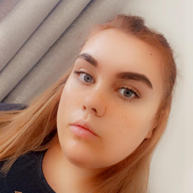 Babysitter in Northampton: Megan