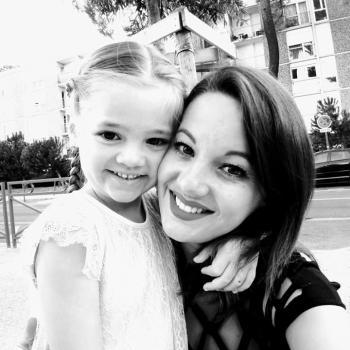 Assistante maternelle Pessac: Rébecca