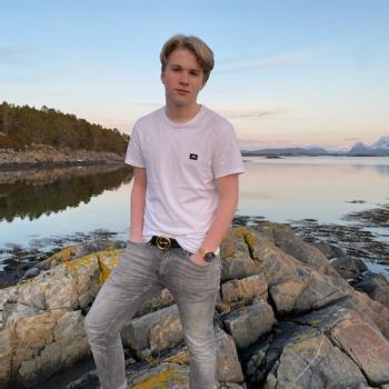 Barnevakt i Spjelkavik: Thomas