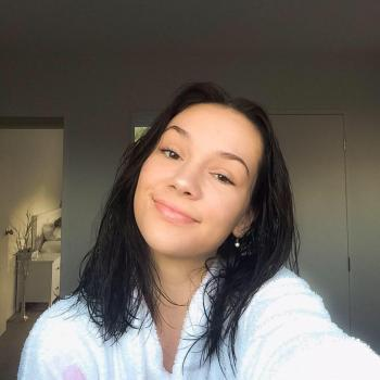 Babysitter in Auckland: Phoebe