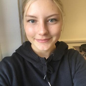 Barnvakt Skölsta: Ella