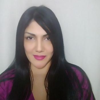 Babysitter in Madrid: Carmelina Elizabeth