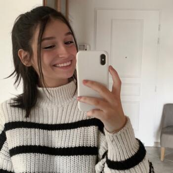 Baby-sitter Lyon: Laurine
