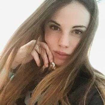 Babysitter Rome: Valentina