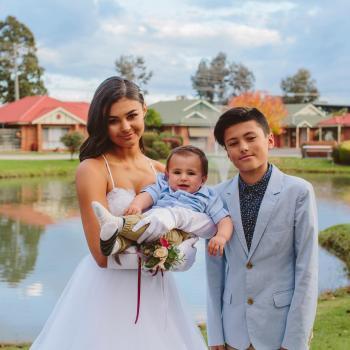 Babysitter Kialla West: Mia