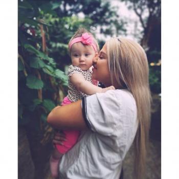 Baby-sitter Hamilton: Olivia