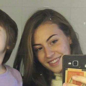 Babysitter Genova: Enxhi