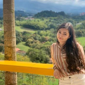 Niñera Armenia: Valeria
