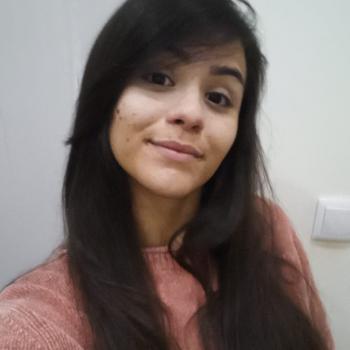 Babysitter Porto: Thaynara