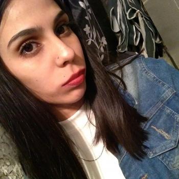 Niñera Morón: Camila