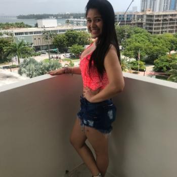 Babysitter Miami: Camila
