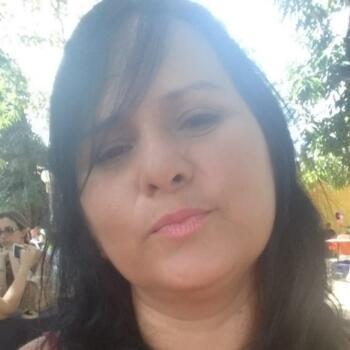 Babá Teresina: Elisangela Sirqueira
