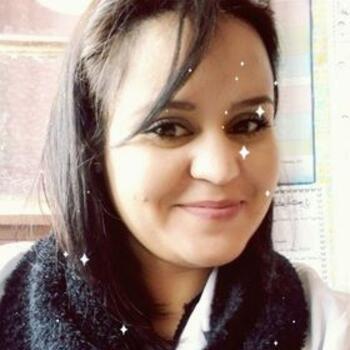 Nounou à Nanterre: Amina