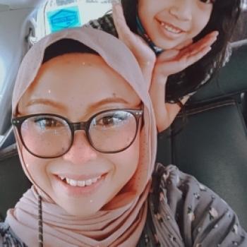 Babysitter in Singapore: Riz Adams