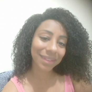 Babysitter in Criciúma: Karine Silva