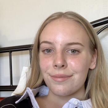 Babysitter Blenheim: Emily