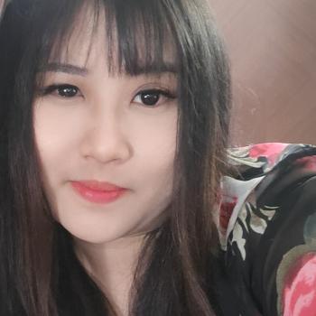 Babysitter in Singapore: Chan
