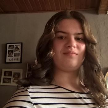 Babysitter in Sint-Niklaas: Naomi