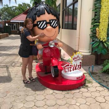 Babysitter Singapore: Candy