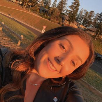 Babysitter Wollongong: Courtney