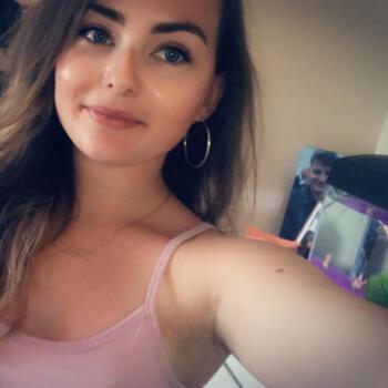 Babysitter in Waterford: Hannah
