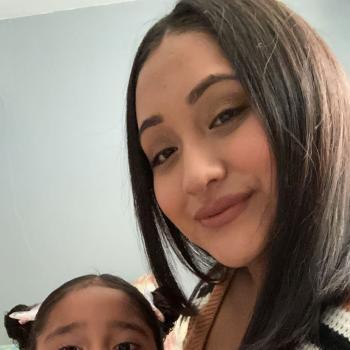 Babysitter in Chicago: Yulisa