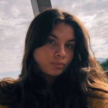 Babysitter Coconut Creek: Fernanda