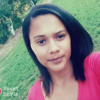 Babysitter in Recife: Flavia maria da