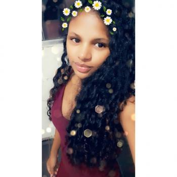 Babysitter Vila Velha: Carolaine