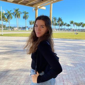 Babysitter in Boca Raton: Ariana