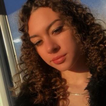 Babysitter Dagenham: Angel-Rose