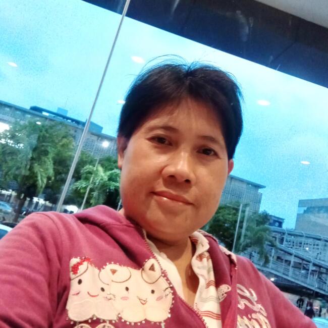 Babysitter in Singapore: Lam