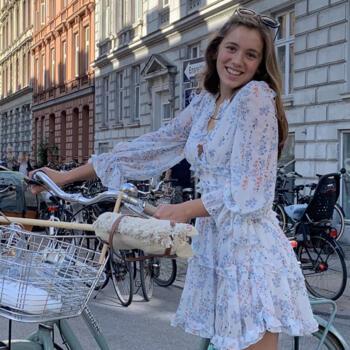Babysitter in Copenhagen: Juliette
