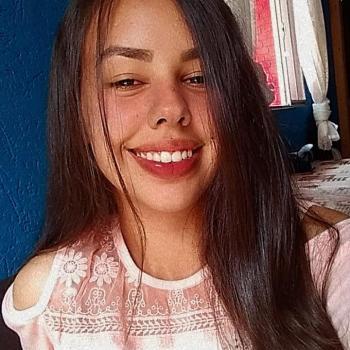 Babysitter in Ponta Grossa: Thainá