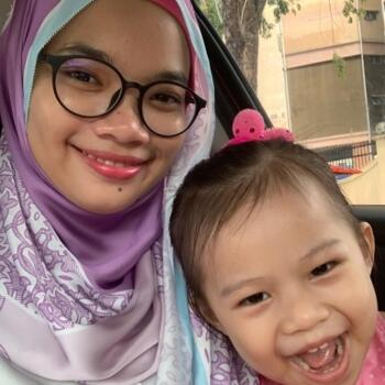 Pengasuh di Petaling Jaya: Aleesya