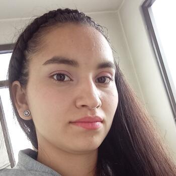 Niñera Mosquera: Rosa
