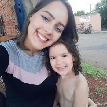 Babá Londrina: Nicole
