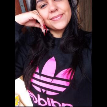 Babysitter in Criciúma: Anninha