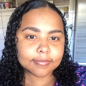 Babysitter in Florianópolis: Suzanne