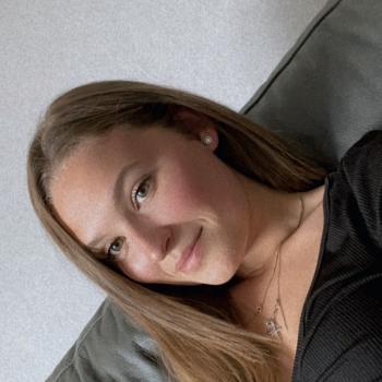 Baby-sitter in Turretot: Laureen