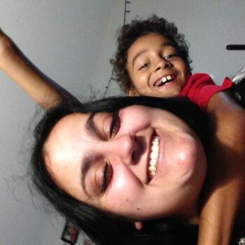 Baby-sitter in Halifax: Emelie