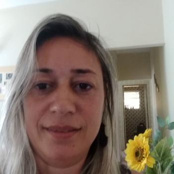 Babysitter Praia Grande: Roberta