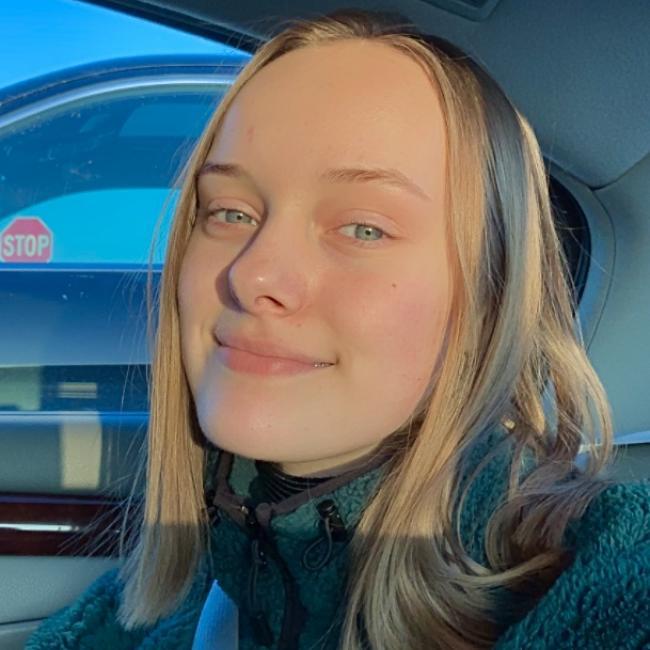 Babysitter in Minneapolis: Jenna